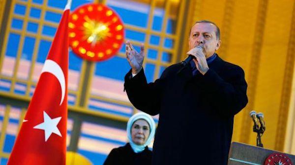اردوغان: ترکیه دیگر از اپل گوشی آیفون نمی خرد