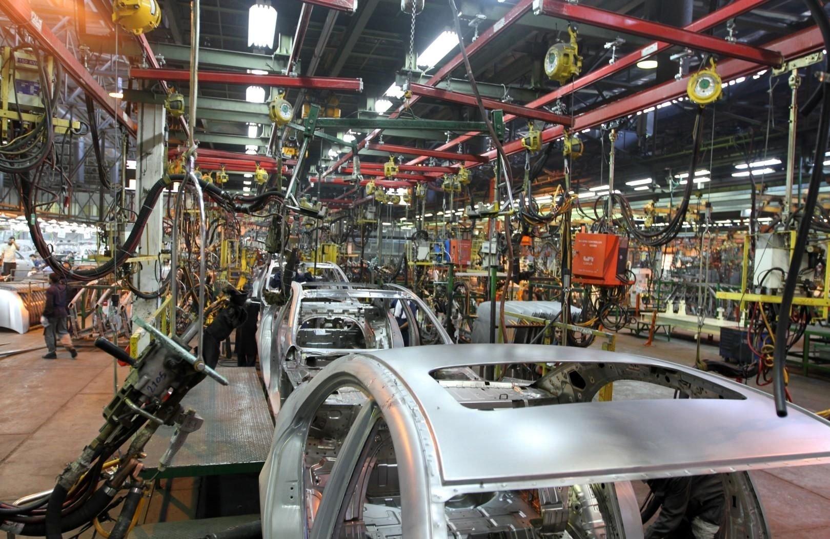 تعطیلی صنعت خودروسازی