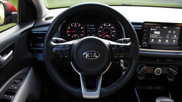 2018-kia-rio-review (17)