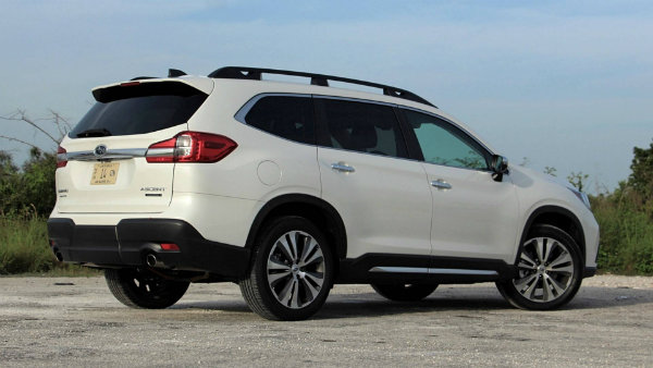 2019-subaru-ascent-review (2)