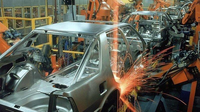 سونامی افزایش قیمت در انتظار بازار خودروهای داخلی؛ وقتی قیمت خودرو آزاد می شود