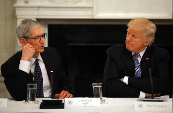شام غیر منتظره ترامپ و کوک برای همفکری در مورد جنگ تجاری چین و آمریکا