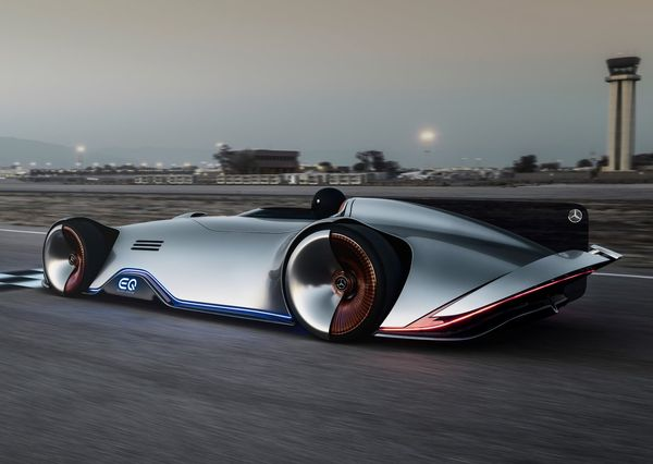 Mercedes-Benz-Vision_EQ_Silver_Arrow_Concept-2018 (16)
