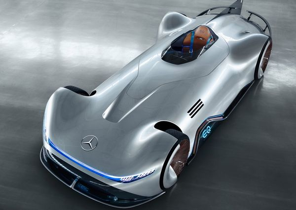 https://digiato.com/wp-content/uploads/2018/08/Mercedes-Benz-Vision_EQ_Silver_Arrow_Concept-2018-3.jpg