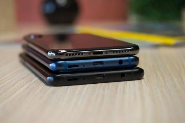 Samsung Galaxy S9 S9 vs iPhone X w600 h600 جک هدفون پس از اپل هنوز زنده است اخبار IT
