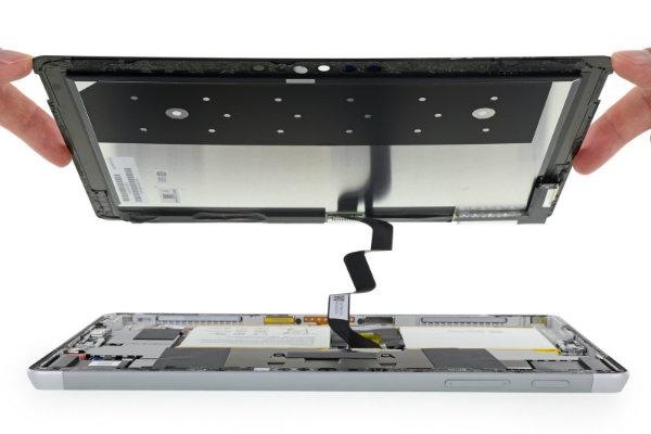 Surface Go 2 - کالبد شکافی سرفیس گو خبر از امتیاز تعمیر پذیری بسیار پایین می دهد