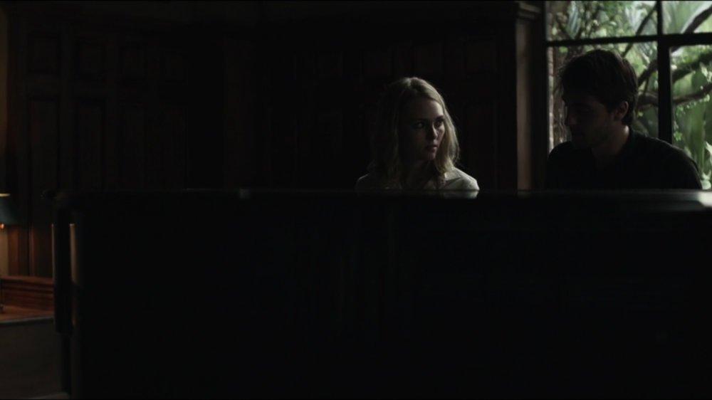 بررسی فیلم Down a Dark Hall