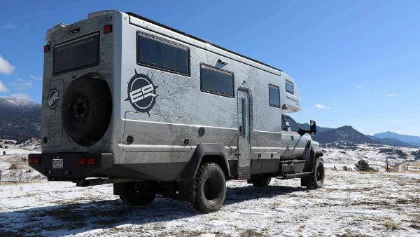 earthroamer-xv-hd-ford-f-750 (3)