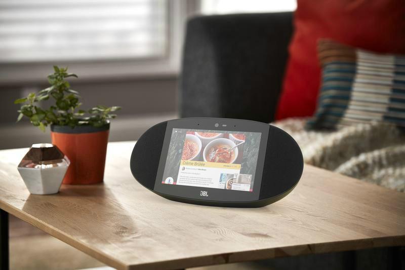 jbl linkview lifestyle 04 نمایشگر هوشمند Link View ساخت JBL آماده پیش خرید شد اخبار IT