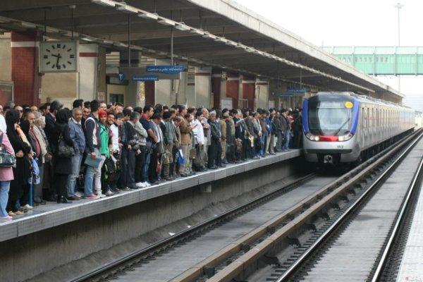 محققان از انتقال سریع باکتری ها بین مسافران مترو می گویند