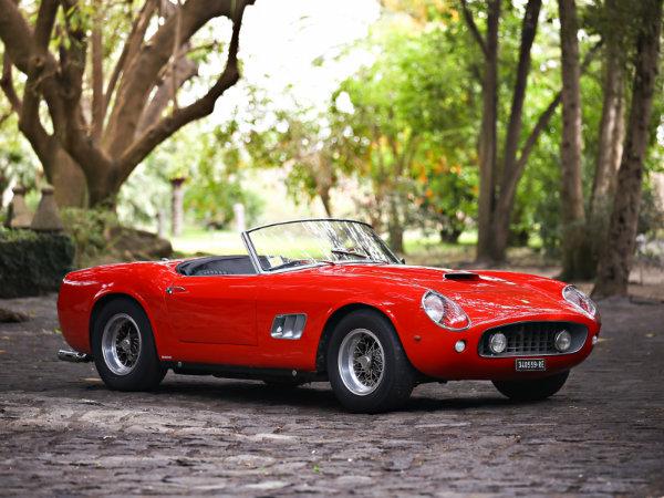 17. فراری 250 GT SWB California Spider مدل 1961 – فروخته شده به قیمت 17.16 میلیون دلار توسط حراجی Gooding & Company در سال 2016