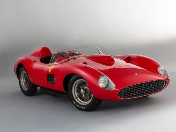 3. فراری 335 Sport Scaglietti مدل 1957 – فروخته شده به قیمت 35.7 میلیون دلار توسط حراجی Artcurial در سال 2016