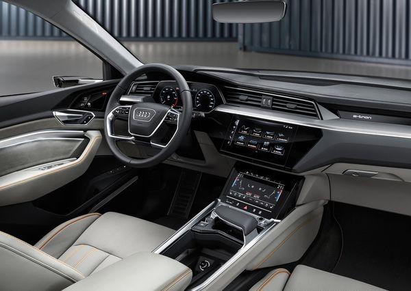Audi-e-tron-2020 (20)