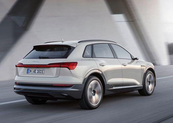 Audi-e-tron-2020 (23)