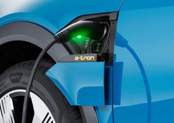 Audi-e-tron-2020 (28)