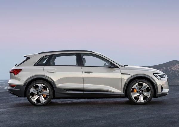 Audi-e-tron-2020 (8)