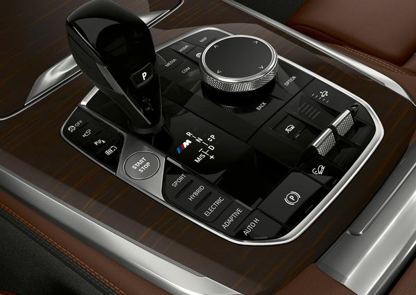 BMW-X5_xDrive45e_iPerformance-2019 (10)