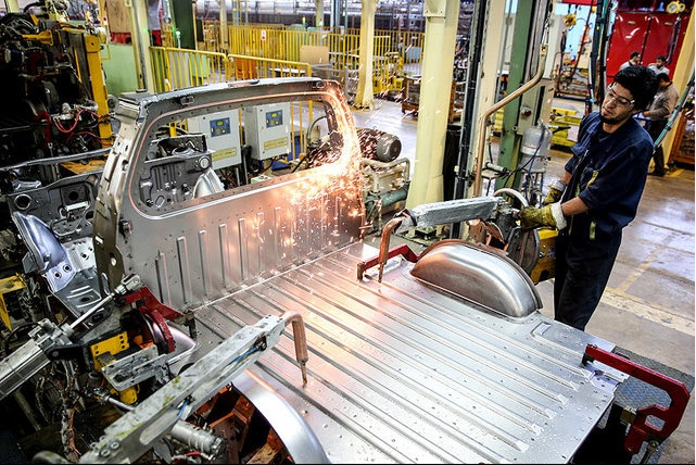 تحریم خودروسازان
