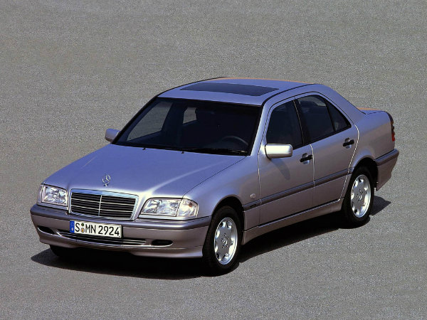 Mercedes-Benz-C-250-Turbodiesel-W202-1995-Design-Interior-Exterior-2