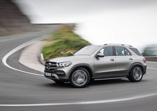 Mercedes-Benz-GLE-2020 (12)