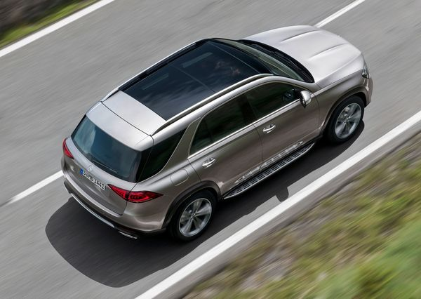 Mercedes-Benz-GLE-2020 (22)