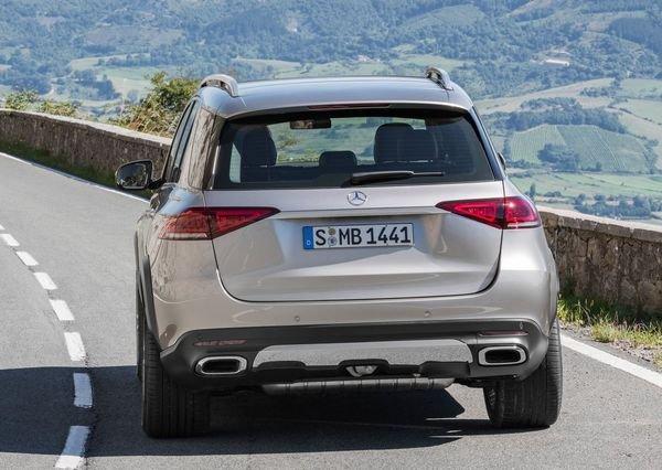 Mercedes-Benz-GLE-2020 (26)
