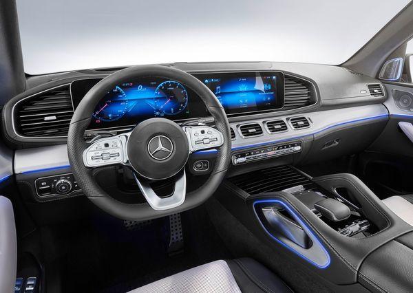 Mercedes-Benz-GLE-2020 (29)