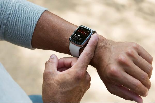 چرا بسیاری از پزشکان به کارایی اپل واچ 4 اعتماد ندارند؟