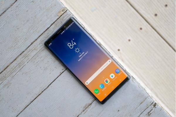 Samsungs foldable Galaxy F will not include Gorilla Glass protection w600 - نخستین موبایل تاشو سامسونگ بدون لایه محافظتی گوریلا گلس از راه می رسد