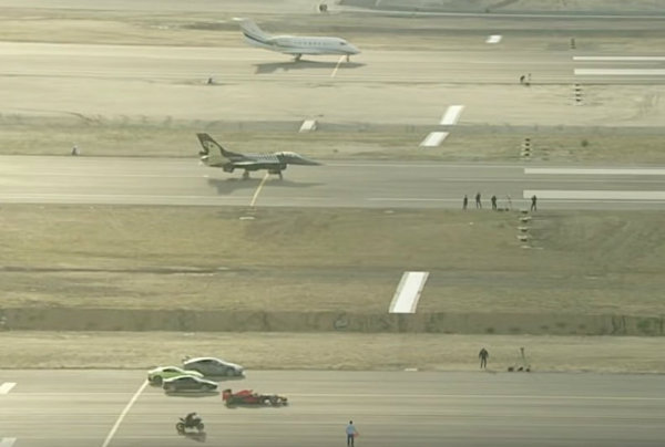 kawasaki-h2rbeats-f-16-fighter-jet-and-tesla-model-s-in-airport-drag-race_1