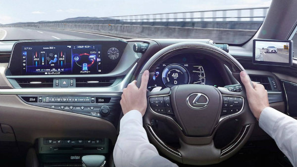lexus-es-digital-outer-mirror (5)