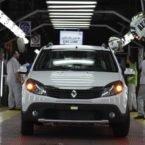 چه چیز رنو را از بازار ایران حذف کرد؛ خودروسازان داخلی یا تحریم؟