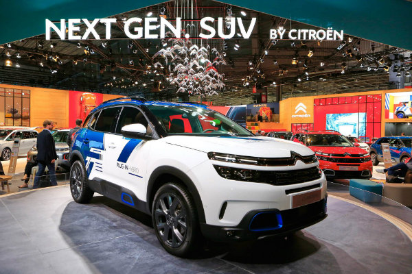 17bb6790-citroen-c5-aircross-suv-hybrid-concept-at-paris-auto-show-4