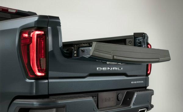 2019-GMC-Sierra-Denali-011