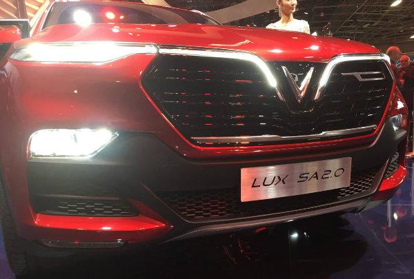 25c7978e-vinfast-suv-sedan-paris-debut-2