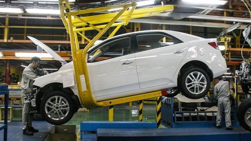 سرنوشت نامشخص مشتریان؛ پاسخ سازمان استاندارد در مورد خودروهای پیش فروش سال 98