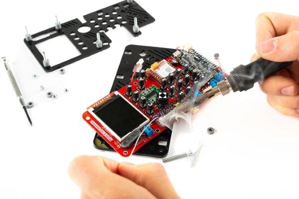 با کیت MakerPhone گوشی موبایل مخصوص خودتان را بسازید