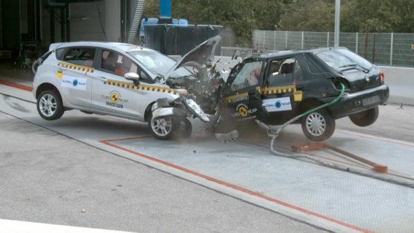 تاثیر شگرف تست تصادف در ارتقای ایمنی خودروها [تماشا کنید]