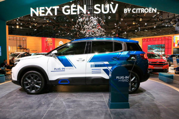 a3dec0d0-citroen-c5-aircross-suv-hybrid-concept-at-paris-auto-show-11