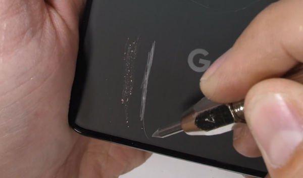 انتشار ویدیوی تست مقاومت گوشی گوگل پیکسل 3 ایکس ال