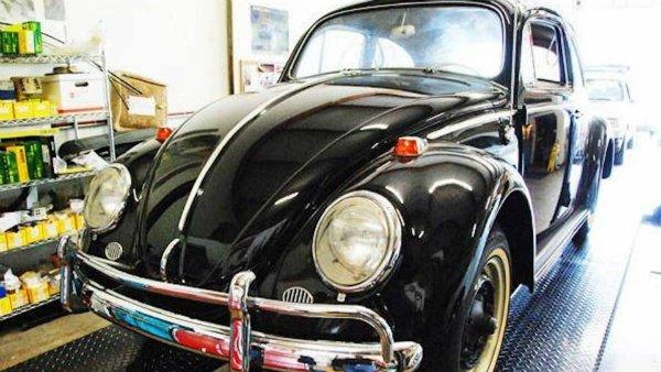 فولکس واگن بیتل صفر کیلومتر مدل 1964 با قیمتی نجومی به فروش گذاشته شد