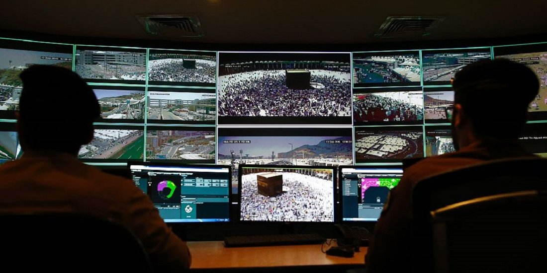 ماموران سعودی مشغول نصب یک جاسوس افزار روی موبایلهای مردم هستند