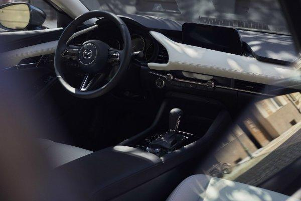 0c3af598-2019-mazda-3-sedan-hatch-443