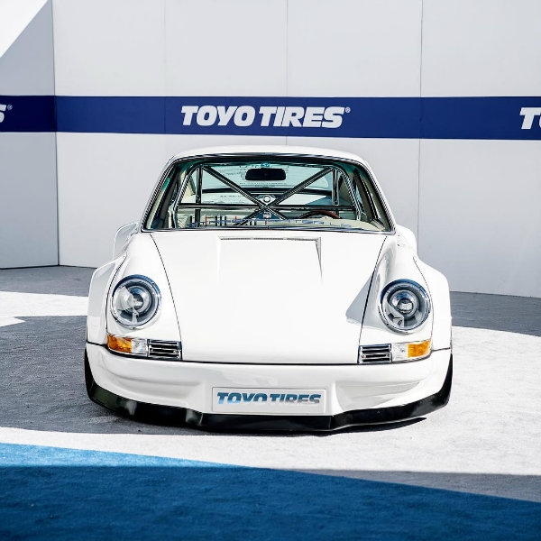5ae72a28-1977-porsche-911-coupe-tesla-electric-motor-1