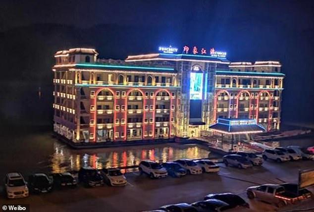 انتقال ساختمان پنج طبقه
