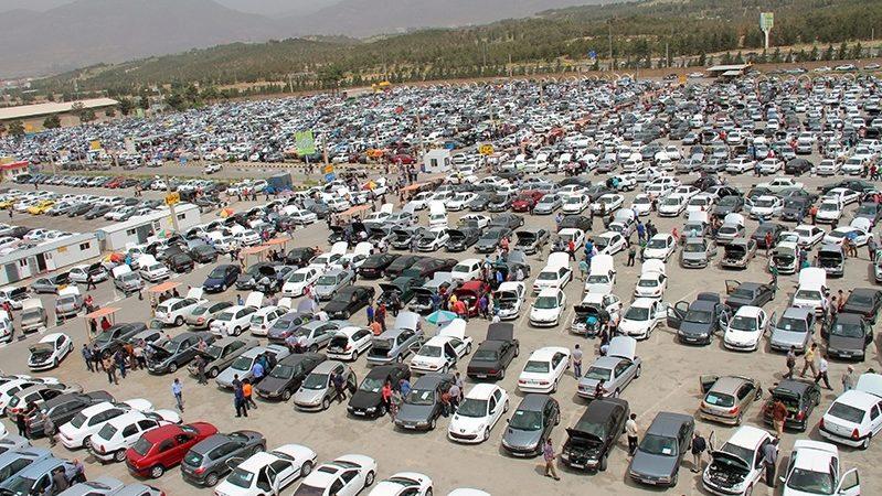 افزایش قیمت خودرو همزمان با کاهش قیمت ارز؛ شرایط عجیب بازار خودرو آخرین روزهای آبان ماه