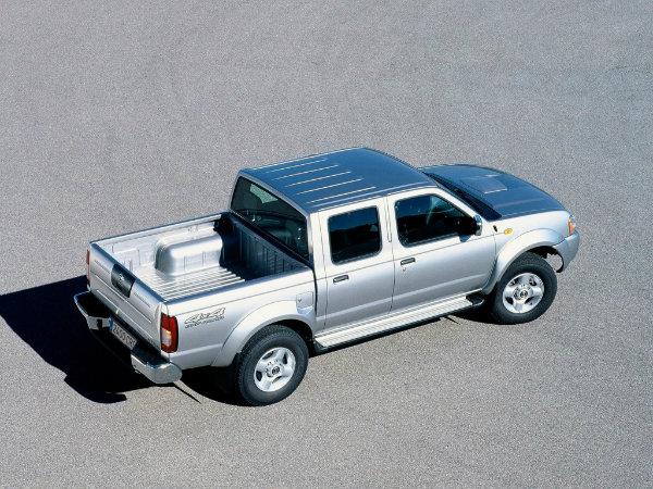 Nissan NP300 Hardbody (2)