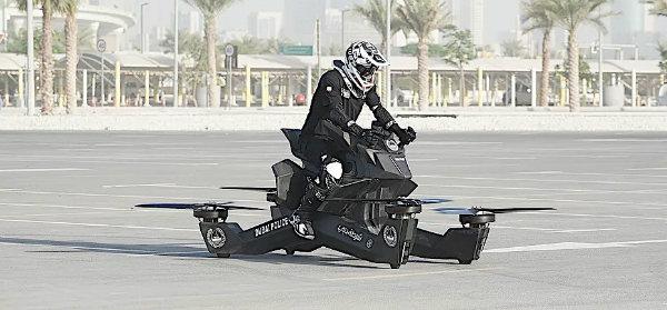 dubai-police-to-ride-on-flying-biًkes_1