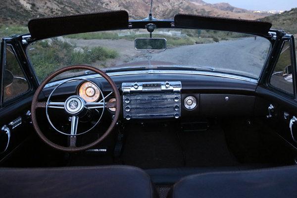 1950_Buick_Roadmaster_Convertible_ICON_Derelict_interior