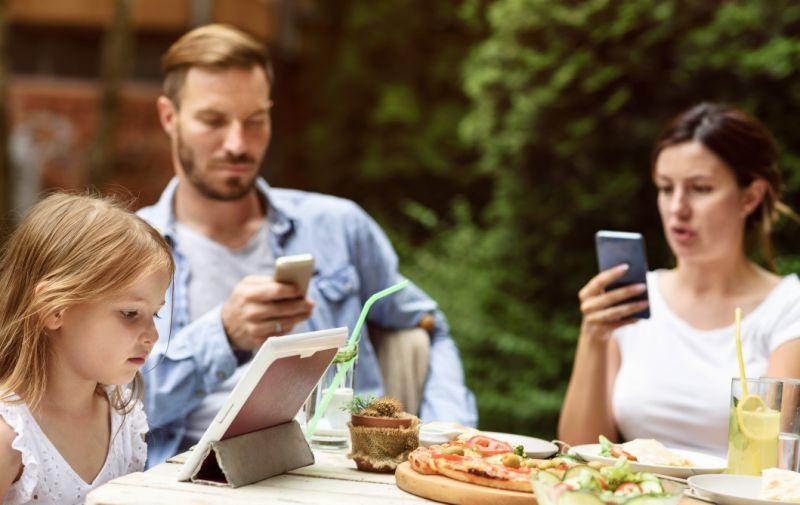 استفاده از موبایل